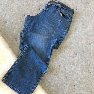 Old navy medium wash boyfriend jeans sz.6